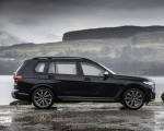 2019 BMW X7 M50d (UK-Spec) Side Wallpapers 150x120 (22)