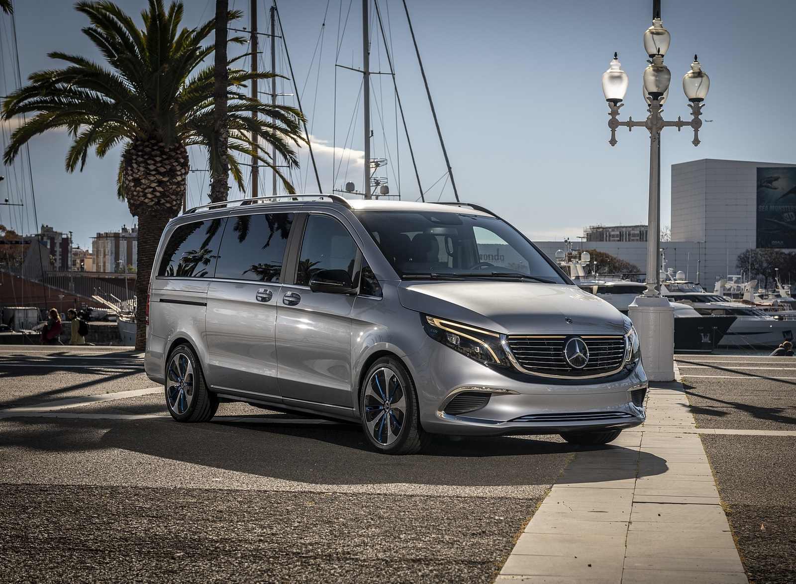 2019 Mercedes-Benz Concept EQV Front Three-Quarter Wallpaper (11)