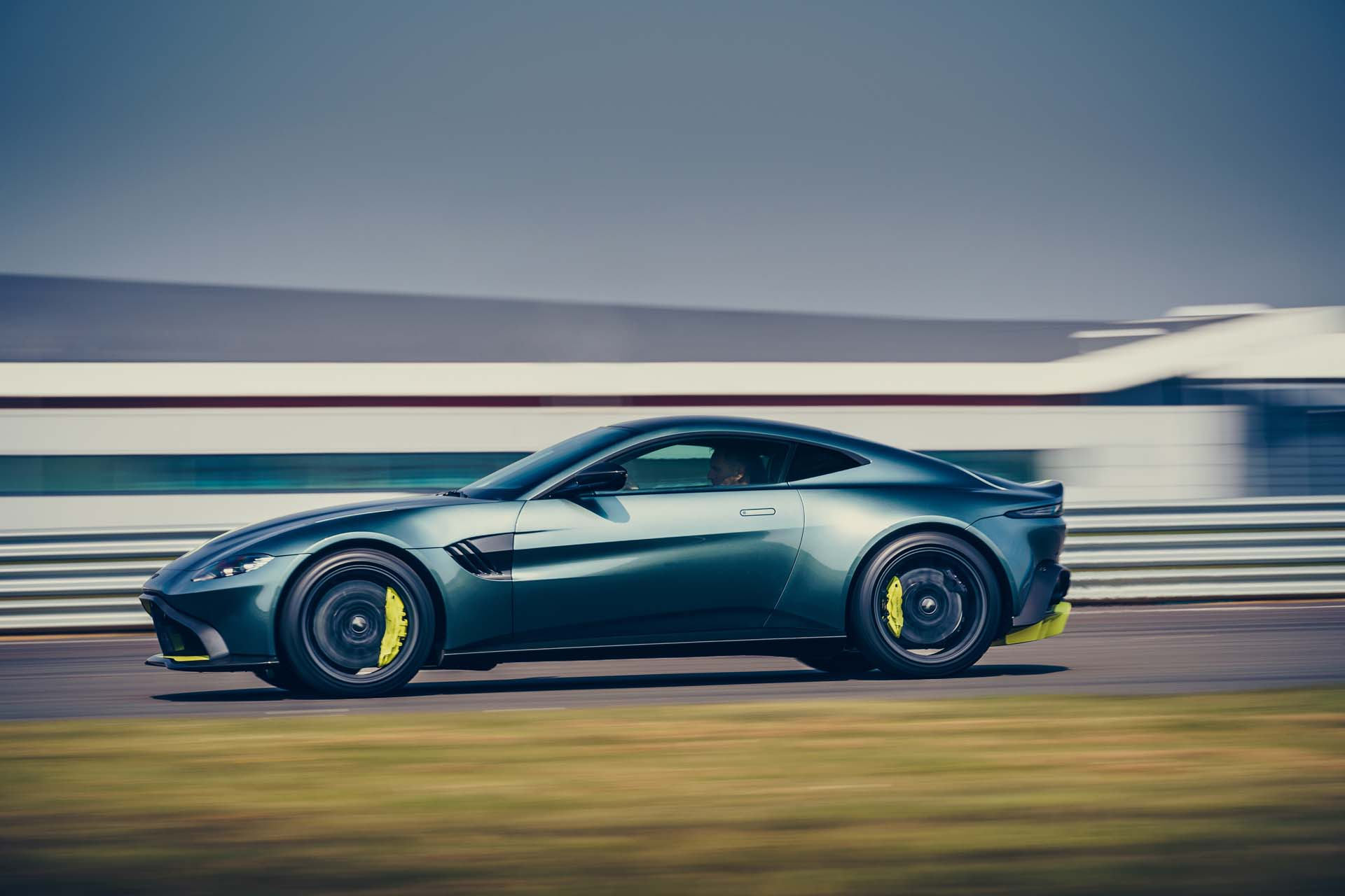 2020 Aston Martin Vantage AMR Side Wallpapers (4)