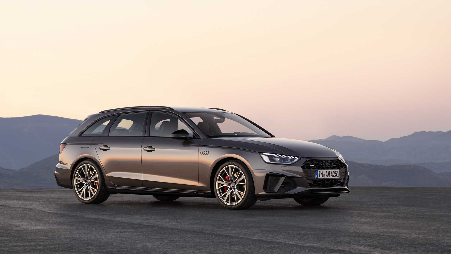 2020 Audi A4 Avant (Color: Terra Gray) Front Three-Quarter Wallpapers (2)