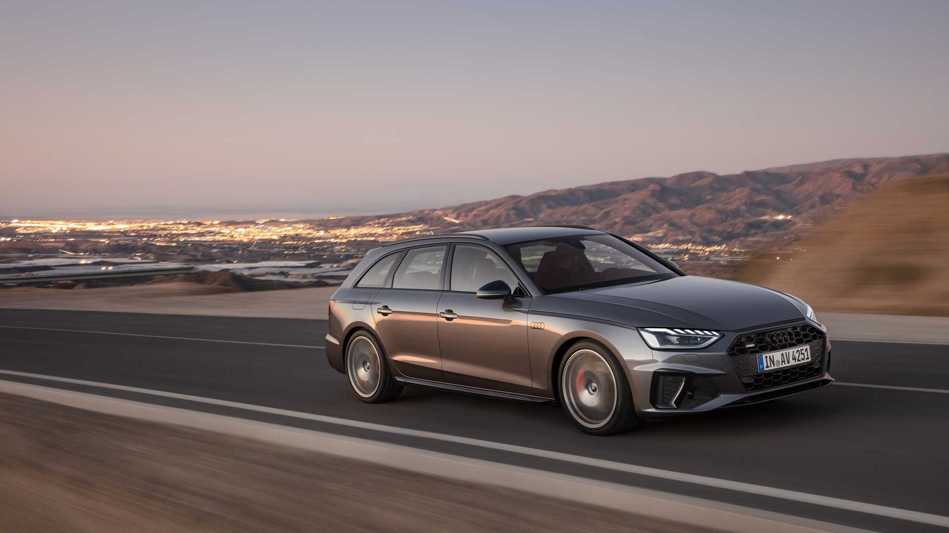 2020 Audi A4 Avant (Color: Terra Gray) Front Three-Quarter Wallpapers (1)