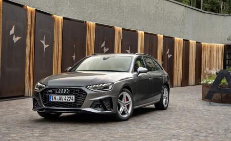 2020 Audi A4 Avant (Color: Terra Gray) Front Three-Quarter Wallpapers 450x275 (10)
