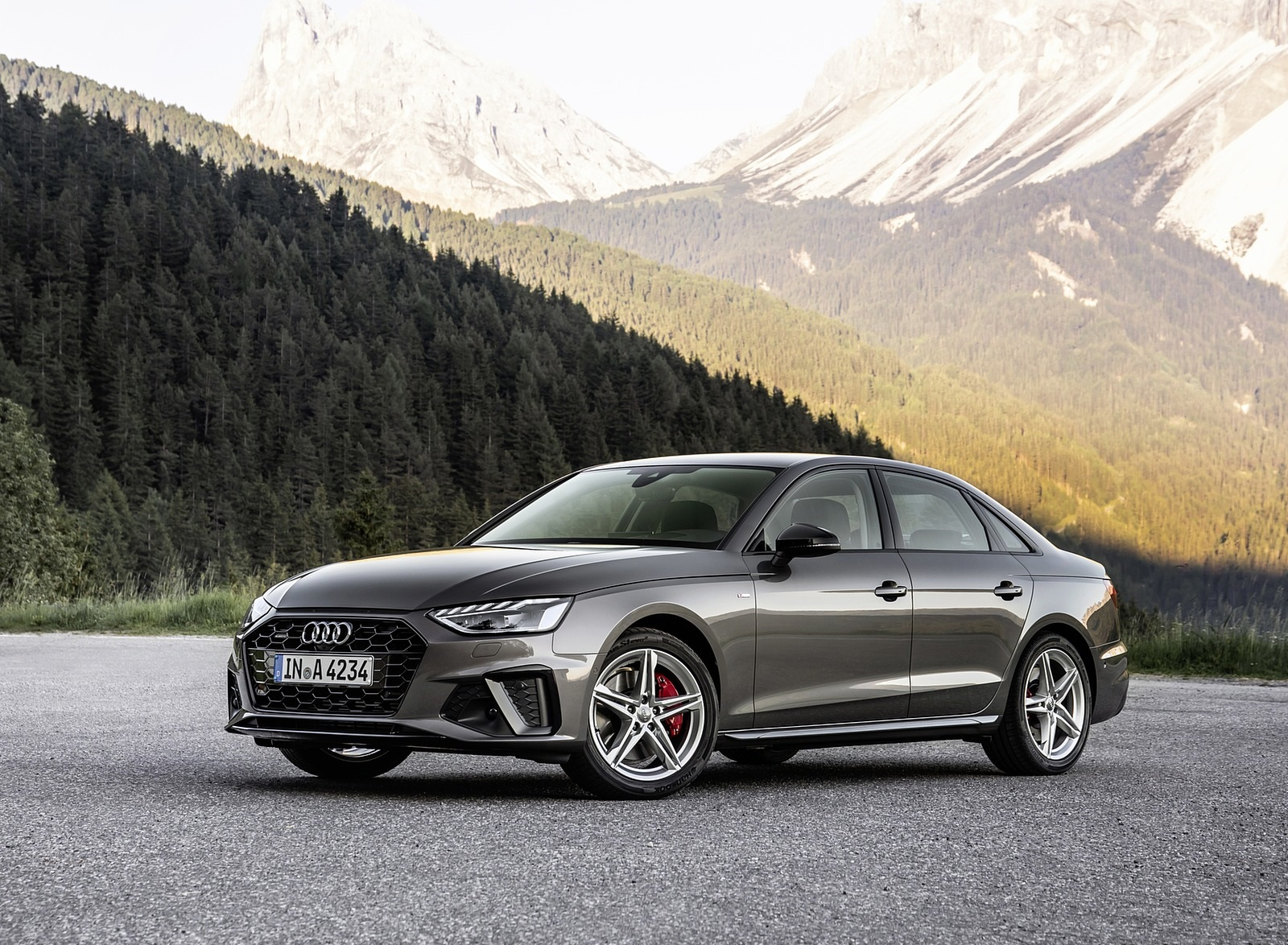 2020 Audi A4 (Color: Terra Gray) Front Three-Quarter Wallpapers (9)