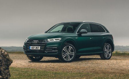 2020 Audi Q5 55 TFSI e Plug-In Hybrid Front Three-Quarter Wallpapers 450x275 (97)