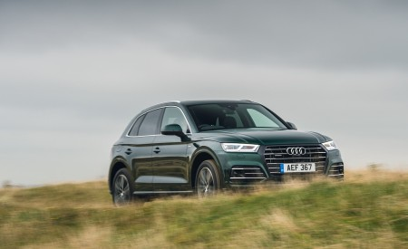 2020 Audi Q5 55 TFSI e Plug-In Hybrid Front Three-Quarter Wallpapers 450x275 (84)