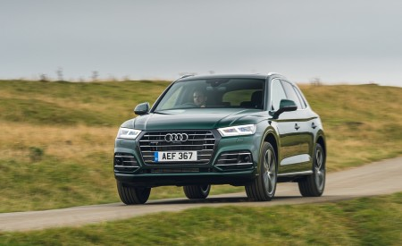 2020 Audi Q5 55 TFSI e Plug-In Hybrid Front Three-Quarter Wallpapers 450x275 (85)