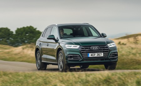 2020 Audi Q5 55 TFSI e Plug-In Hybrid Front Three-Quarter Wallpapers 450x275 (86)
