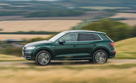 2020 Audi Q5 55 TFSI e Plug-In Hybrid Side Wallpapers 450x275 (93)