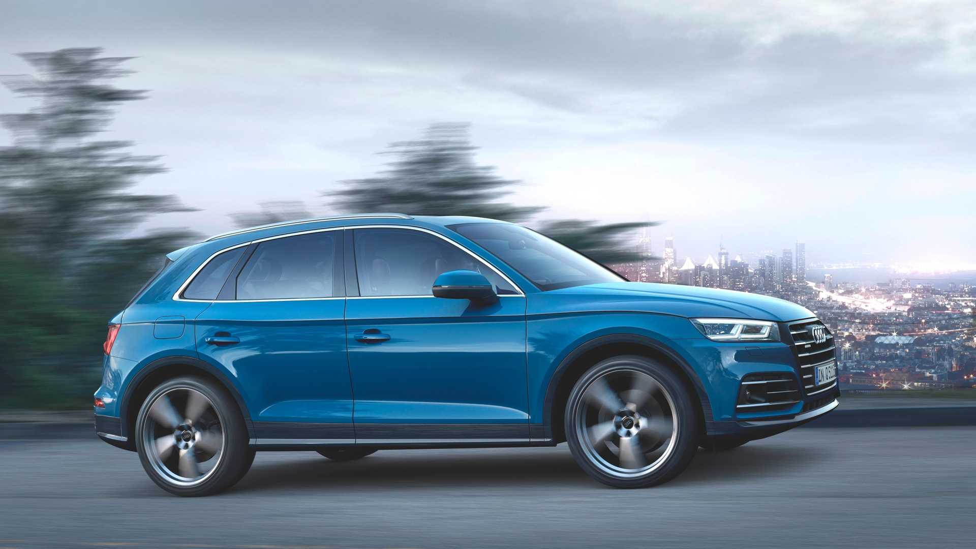 2020 Audi Q5 55 TFSI e quattro Plug-in Hybrid (Color: Turbo Blue) Side Wallpapers (1)