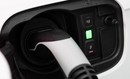 2020 Audi Q5 TFSI e Plug-In Hybrid Charging Port Wallpapers 450x275 (43)