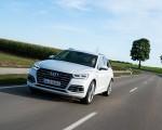 2020 Audi Q5 TFSI e Plug-In Hybrid (Color: Glacier White) Front Three-Quarter Wallpapers 150x120 (11)