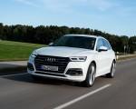 2020 Audi Q5 TFSI e Plug-In Hybrid (Color: Glacier White) Front Three-Quarter Wallpapers 150x120 (2)