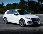 2020 Audi Q5 TFSI e Plug-In Hybrid (Color: Glacier White) Front Three-Quarter Wallpapers 150x120 (24)