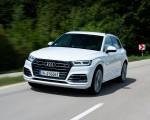 2020 Audi Q5 TFSI e Plug-In Hybrid (Color: Glacier White) Front Three-Quarter Wallpapers 150x120 (3)