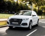 2020 Audi Q5 TFSI e Plug-In Hybrid (Color: Glacier White) Front Three-Quarter Wallpapers 150x120 (5)