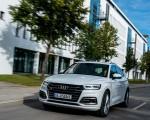 2020 Audi Q5 TFSI e Plug-In Hybrid (Color: Glacier White) Front Three-Quarter Wallpapers 150x120 (7)