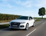2020 Audi Q5 TFSI e Plug-In Hybrid (Color: Glacier White) Front Three-Quarter Wallpapers 150x120 (8)
