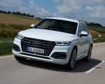 2020 Audi Q5 TFSI e Plug-In Hybrid (Color: Glacier White) Front Wallpapers 150x120 (27)