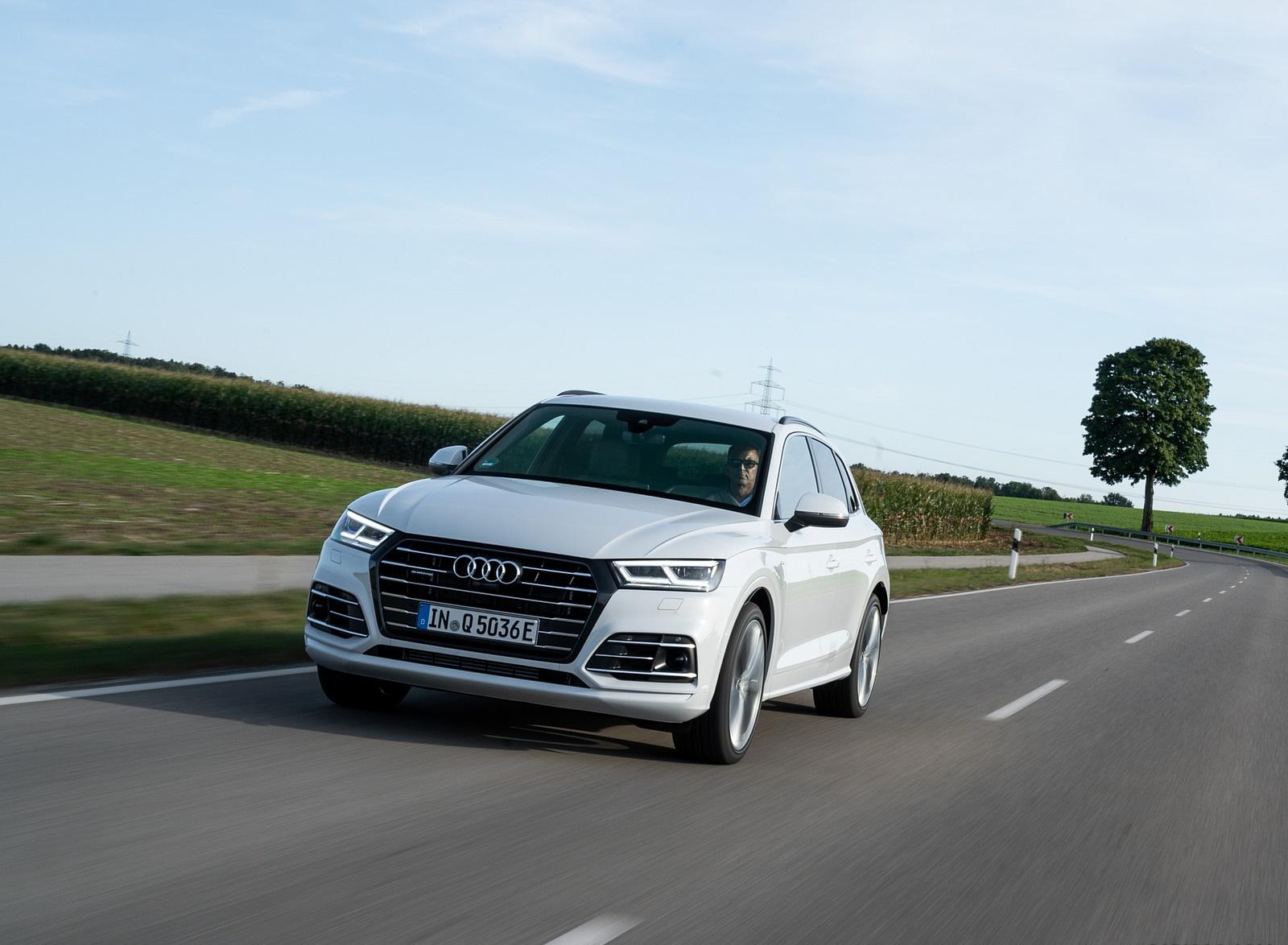 2020 Audi Q5 TFSI e Plug-In Hybrid (Color: Glacier White) Front Wallpapers #13 of 154