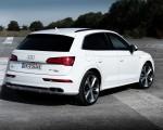 2020 Audi Q5 TFSI e Plug-In Hybrid (Color: Glacier White) Rear Three-Quarter Wallpapers 150x120 (28)