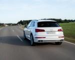 2020 Audi Q5 TFSI e Plug-In Hybrid (Color: Glacier White) Rear Wallpapers 150x120 (31)