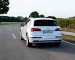 2020 Audi Q5 TFSI e Plug-In Hybrid (Color: Glacier White) Rear Wallpapers 150x120 (21)