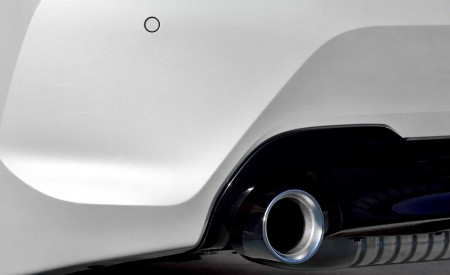 2020 BMW 1-Series 118i (Color: Mineral white Metallic) Exhaust Wallpaper 450x275 (27)