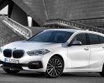 2020 BMW 1-Series 118i (Color: Mineral white Metallic) Front Three-Quarter Wallpapers 150x120 (7)