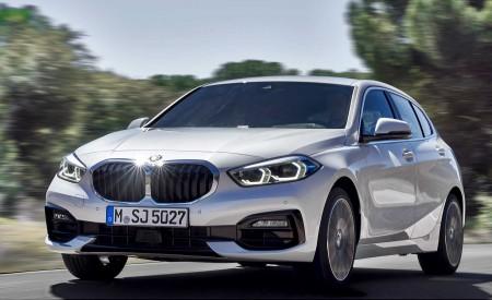 2020 BMW 1-Series 118i (Color: Mineral white Metallic) Front Three-Quarter Wallpaper 450x275 (2)