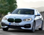 2020 BMW 1-Series 118i (Color: Mineral white Metallic) Front Three-Quarter Wallpapers 150x120 (3)