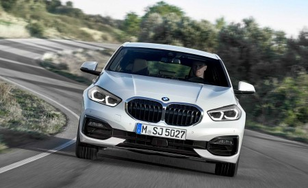 2020 BMW 1-Series 118i (Color: Mineral white Metallic) Front Wallpaper 450x275 (4)