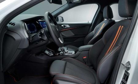 2020 BMW 1-Series 118i (Color: Mineral white Metallic) Interior Cockpit Wallpaper 450x275 (38)