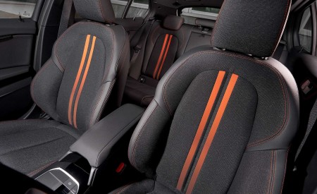 2020 BMW 1-Series 118i (Color: Mineral white Metallic) Interior Front Seats Wallpaper 450x275 (34)