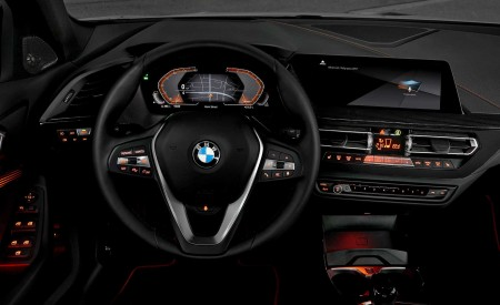 2020 BMW 1-Series 118i (Color: Mineral white Metallic) Interior Steering Wheel Wallpapers 450x275 (29)