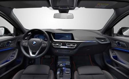 2020 BMW 1-Series 118i (Color: Mineral white Metallic) Interior Wallpaper 450x275 (41)