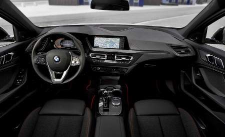 2020 BMW 1-Series 118i (Color: Mineral white Metallic) Interior Wallpapers 450x275 (40)