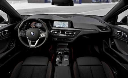 2020 BMW 1-Series 118i (Color: Mineral white Metallic) Interior Wallpaper 450x275 (40)