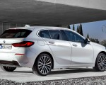 2020 BMW 1-Series 118i (Color: Mineral white Metallic) Rear Three-Quarter Wallpapers 150x120 (10)