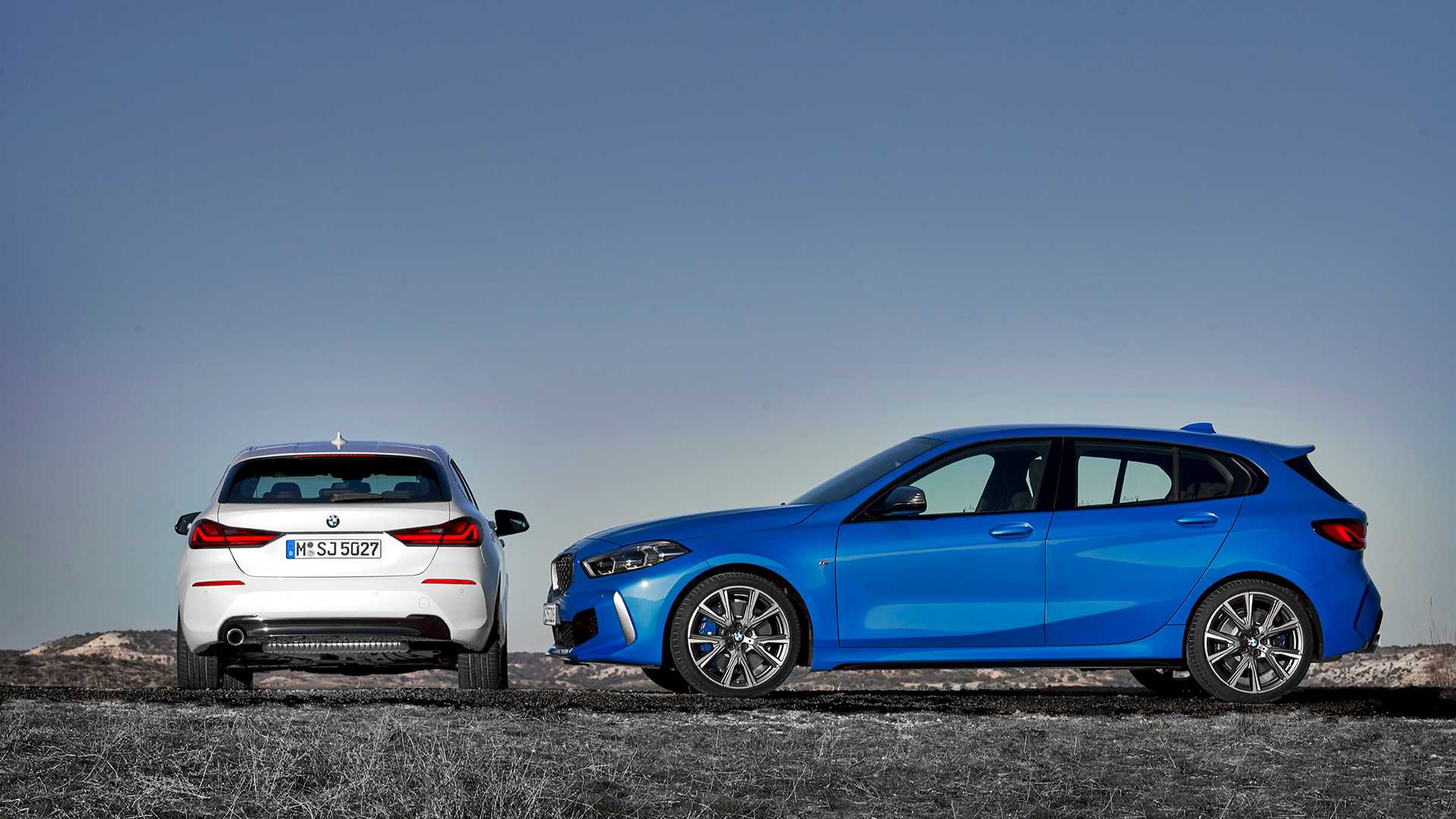 2020 BMW 1-Series 118i (Color: Mineral white Metallic) and BMW M135i xDrive Wallpapers (13)