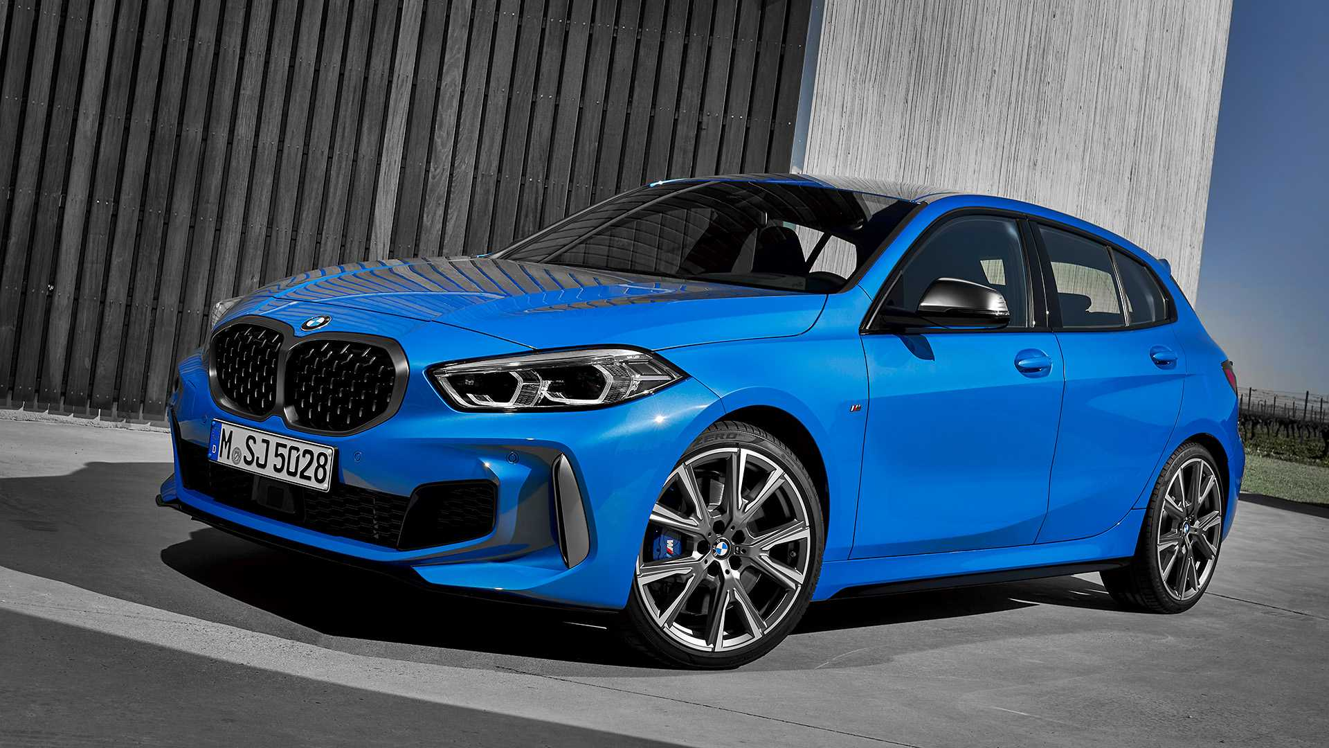 2020 BMW M135i xDrive (Color: Misano Blue Metallic) Front Three-Quarter Wallpapers (10)