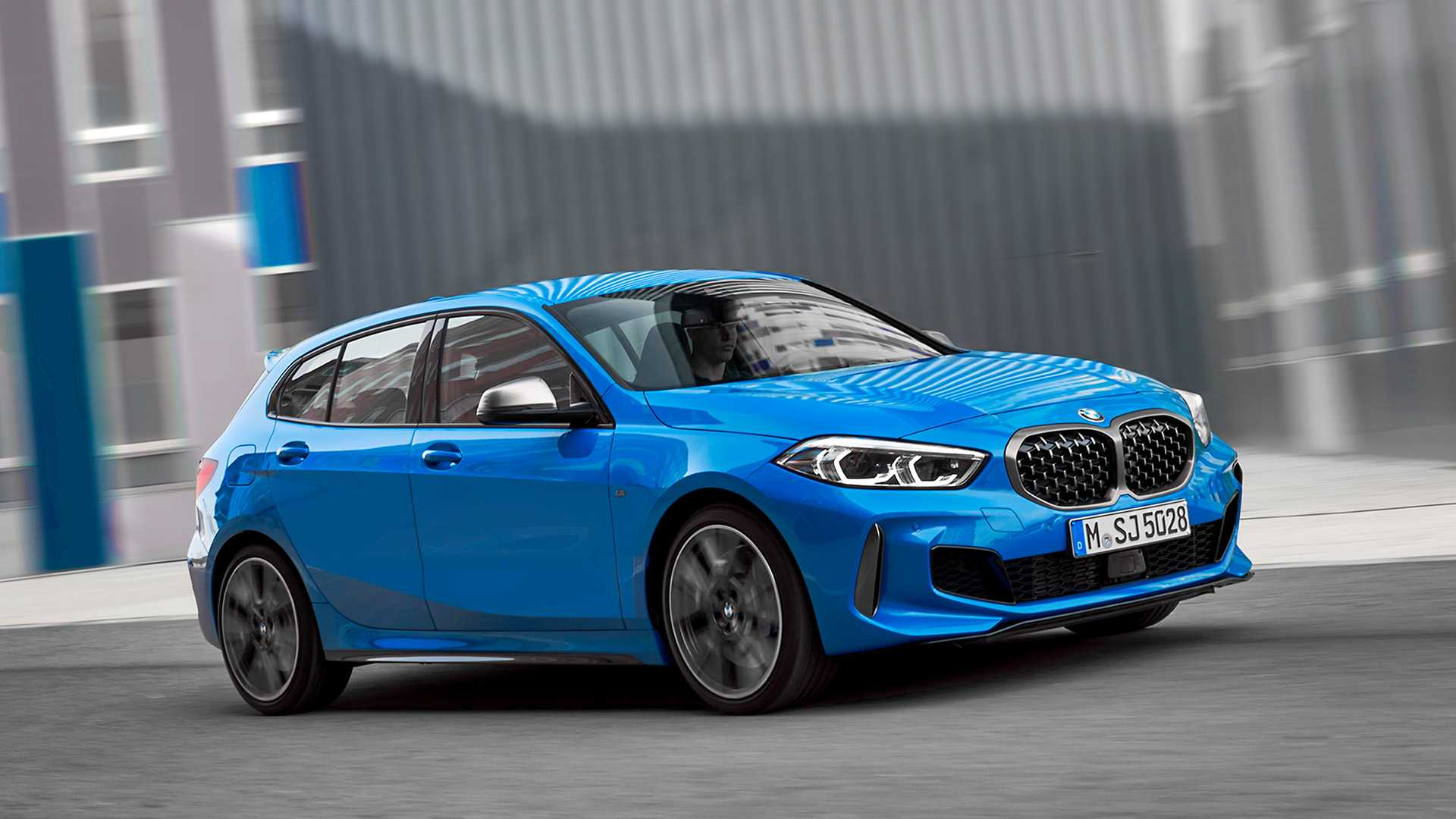2020 BMW M135i xDrive (Color: Misano Blue Metallic) Front Three-Quarter Wallpapers (4)