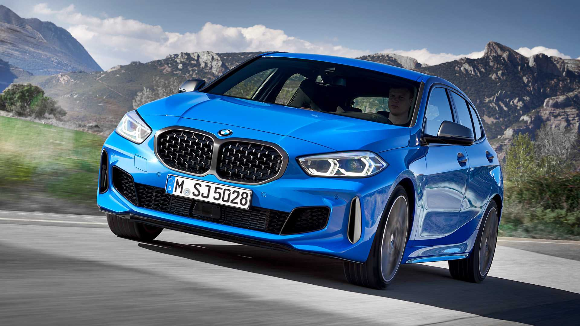 2020 BMW M135i xDrive (Color: Misano Blue Metallic) Front Three-Quarter Wallpapers (2)