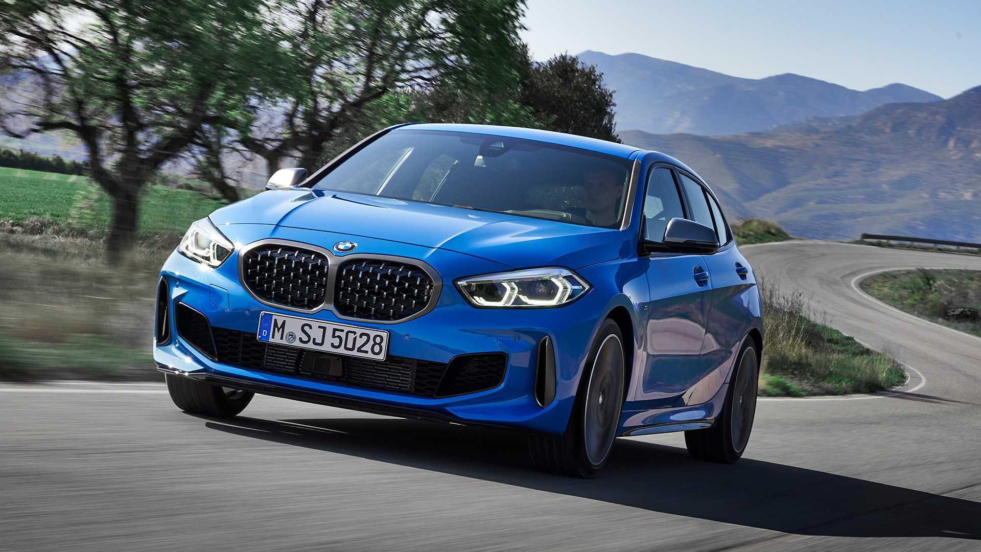 2020 BMW M135i xDrive (Color: Misano Blue Metallic) Front Wallpapers (5)