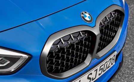 2020 BMW M135i xDrive (Color: Misano Blue Metallic) Grill Wallpapers 450x275 (31)
