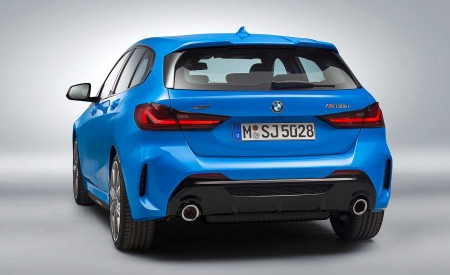 2020 BMW M135i xDrive (Color: Misano Blue Metallic) Rear Three-Quarter Wallpapers 450x275 (22)