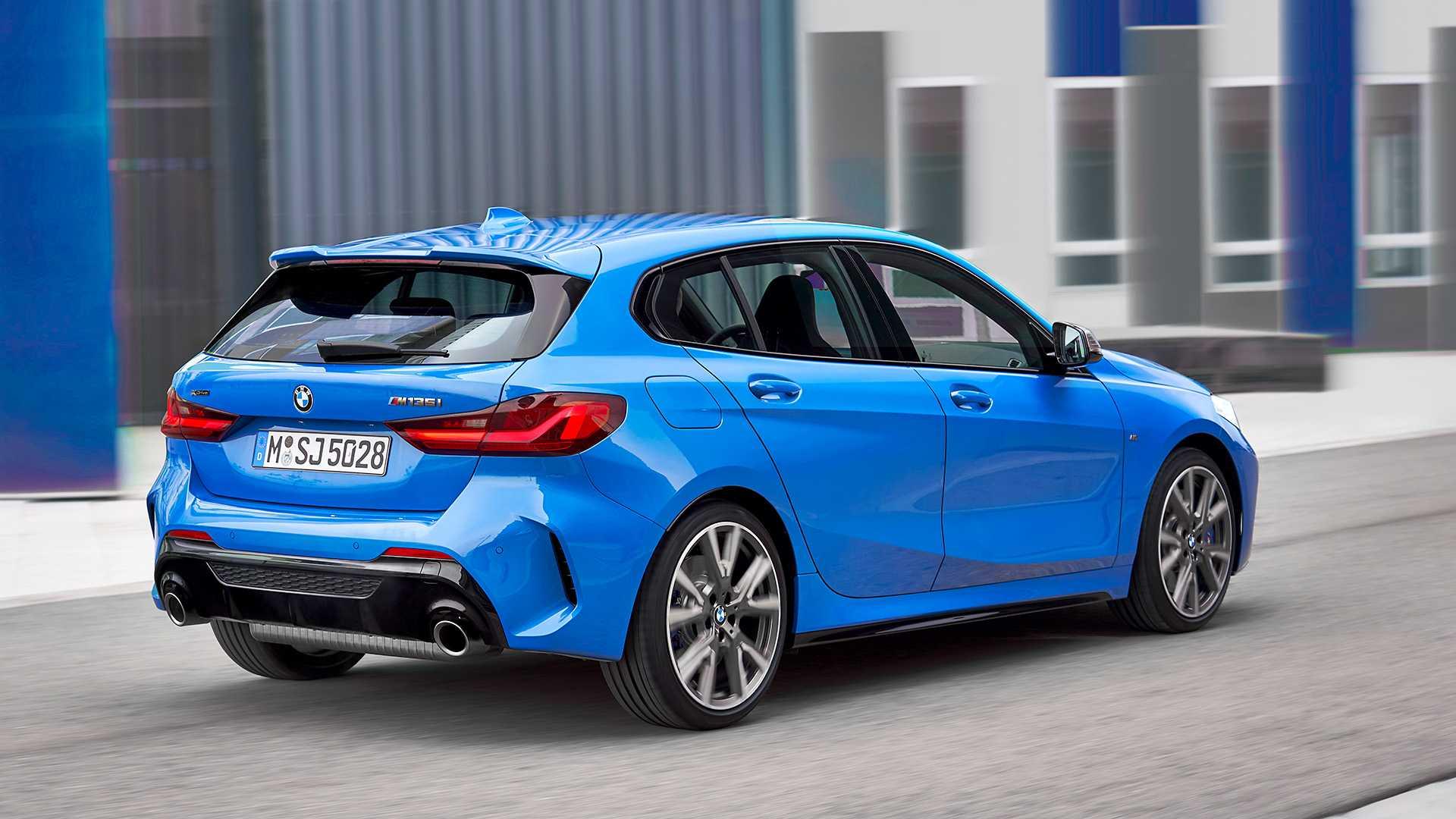 2020 BMW M135i xDrive (Color: Misano Blue Metallic) Rear Three-Quarter Wallpaper (13)