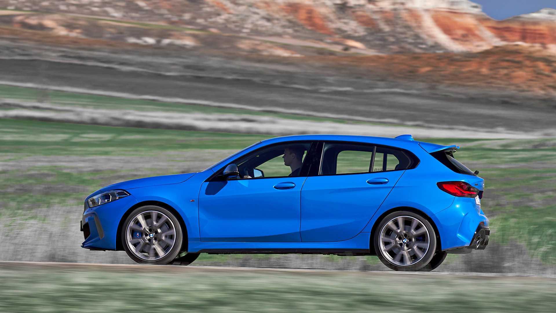 2020 BMW M135i xDrive (Color: Misano Blue Metallic) Side Wallpaper (14)