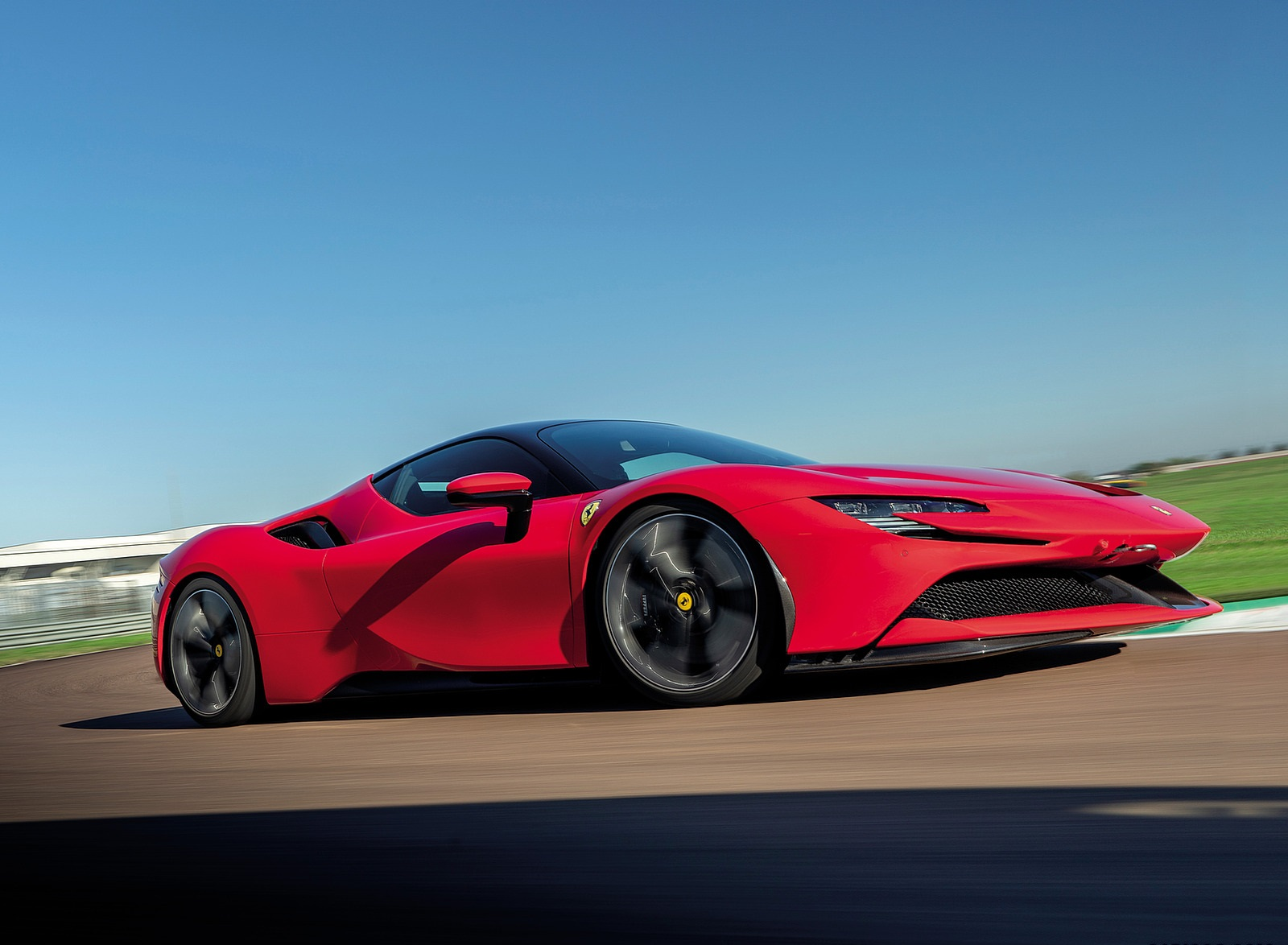 2020 Ferrari SF90 Stradale Front Three-Quarter Wallpapers (2)