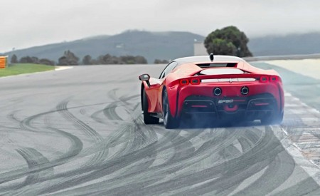 2020 Ferrari SF90 Stradale Rear Wallpapers 450x275 (13)