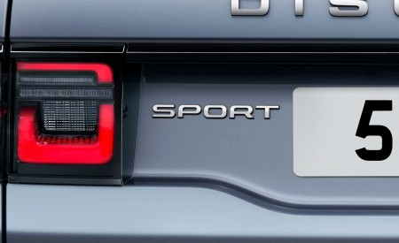 2020 Land Rover Discovery Sport Detail Wallpaper 450x275 (48)